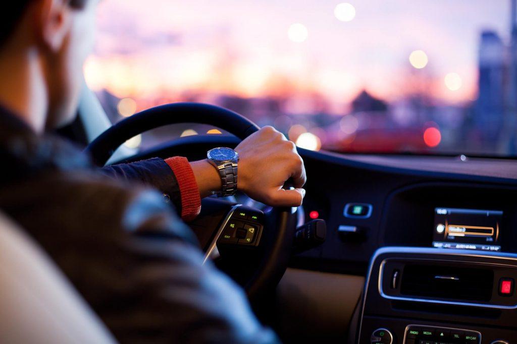 Accidente de tráfico al ir al trabajo