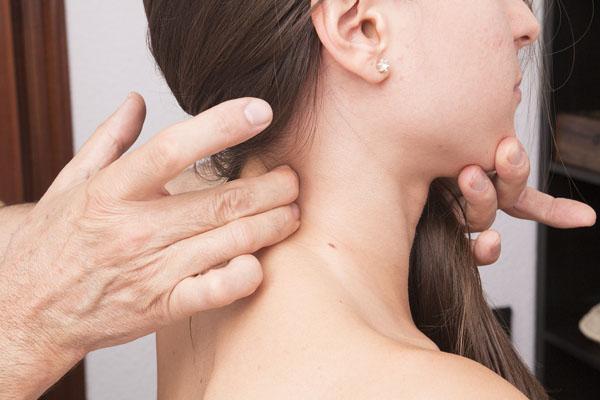 esguince o latigazo cervical